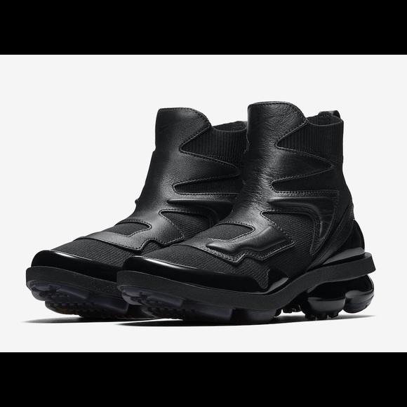 new concept 33e42 2fd07 Nike WMNS Air VaporMax Light 2 Triple Black 🔥 🔥 NWT